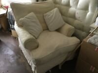 Armchair with removable covers, washable.