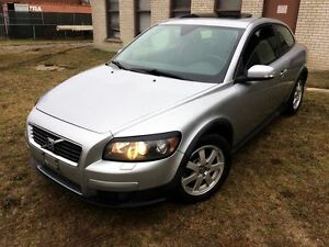 2009 Volvo C30 SUNROOF!
