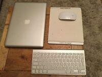 "Apple MacBook Pro 2011,13"",500GB,4GB ram, 2.4GHz Intel Core2Duo + EXTRAS!!"