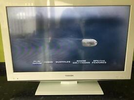 "Toshiba 32"" TV/DVD in good working order slight damage"
