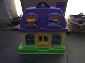 Fisher Price Interactive Little People Dolls House