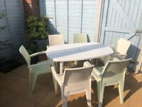 White Plastic Garden Table & 6 Plastic Chairs - £45