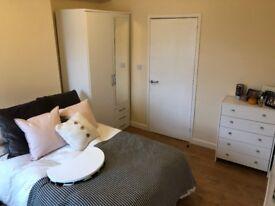 spacious Room with En-Suite, No Fees