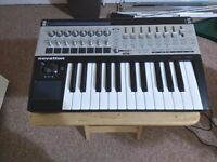 Novation 25SL MKII 25 key keyboard, midi controller