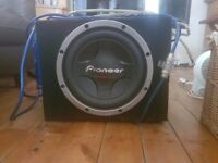 1200 WATTS 12 INCH PIONEER SUBWOOOFER AND ALPINE AMP WITH POWER CAP
