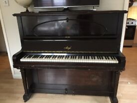 Piano amyl upright. In good condition open to offers