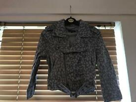 Crop Camo jacket with belt - size 10