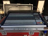 Soundcraft GB4-24 Flight cased. Perfect working Order