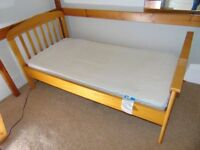 Mamas and Papas Pine Junior Bed (Lauren)