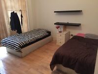 Double room available in edgware road , £240 pw