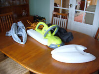 Garden Groom midi. Safety hedge Trimmer. As new used once.