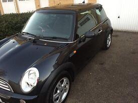 Lovely Auto Black Mini 2006