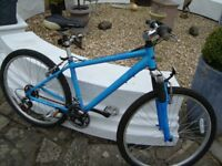 APPOLO MOUNTAIN BIKE 16INCH FRAME 21 GEARS IN VERY GOOD CONDITION HARDLY BEEN USED £30 can deliver