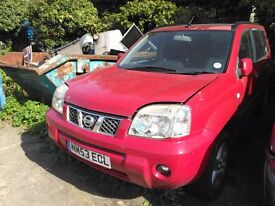 Nissan X Trail 2004 manual petrol 2.5. 80K requires clutch and MOT, Reduced a bargain at £1250.