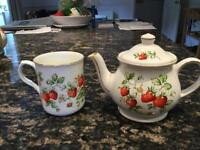 Strawberry mug and teapot