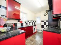 ****Cosey 4 bed... Check it out ;) ****