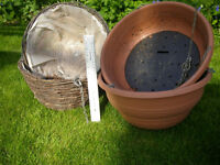 Hanging baskets, used, 3 pairs, plastic and wicker 300, 330, 360mm