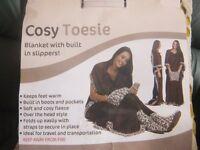 COSY TOESIE BLANKET