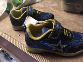 NEw Geox flashing shoes size 26