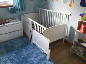 Saplings white Cot Bed / Junior bed in great condition