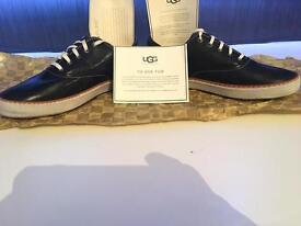 UGG unisex trainers with fur lining leather outer uk size8 euro40.5