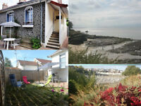 FRENCH CHARMING COTTAGE 200 m from beach & coastal foothpath located PORNIC from 4 to 18 august
