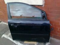 Ford Focus 07 drivers and back door complete !