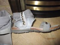 Sandals - Size 6