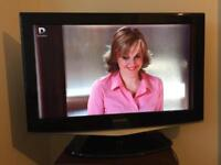 """Samsung LE32R87BD- 32"""" Widescreen HD Ready LCD TV - Built in Freeview."""