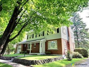 252 000$ - Maison 2 étages à vendre à Canton-de-Hatley