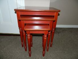 Nest Of 3 Tables / Coffee Tables / Side Tables Mahogany