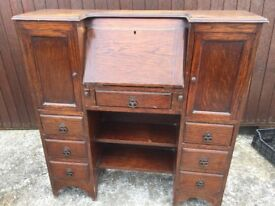VINTAGE RUSTIC OAK WRITING DESK/BUREAU WITH DRAWERS AND CUPBOARDS, DELIVERY AVAILABLE