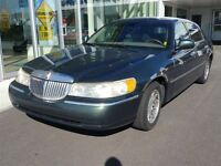 2001 Lincoln Town Car Signature + SUPERBE CONDTION +