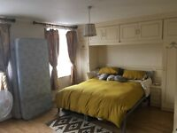 Spacious Double Twin Bedroom in Kentish Town - Flat share