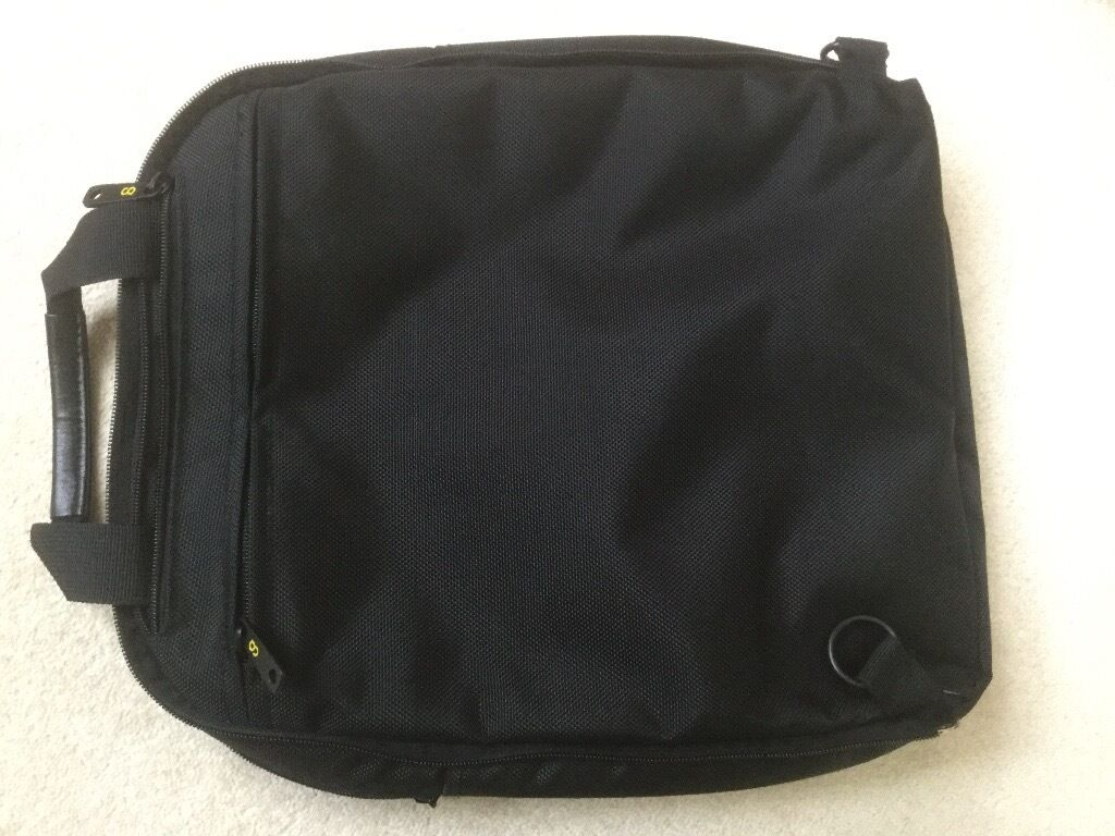 Laptop/accessory padded bag by Gate8
