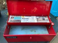 Clarke CTB300 Cantilever Tray Tool Box Good Condition