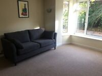 Stunning newly refurbished 1 bed flat with garden MON-FRI avail immediately
