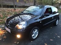 Black Renault Clio 1.2 16v Extreme 2 Petrol Manual 3dr Hatchback - Low Miles - P/X Welcome