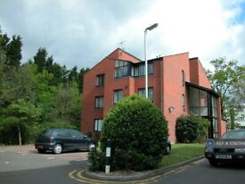1 bedroom flat in Canberra Close, London, NW4 (1 bed) (#1092569)