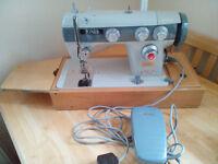 SEWING MACHINE TOP QUALITY JONES MODEL 556