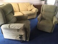 Electric rise and recline armchairs x2 vGc can deliver