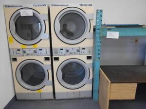 COIN OPERATED WASHERS & DRYERS / LAVEUSES & SECHEUSES PAYANTE