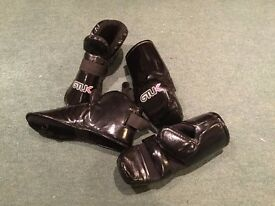 Tae Kwon Do Sparring Gloves & Footwear