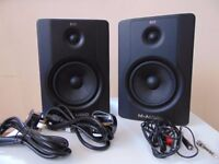M-Audio BX5 Studio Moinitor Speakers with JS-MS70 JamStands