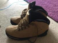 Timberland style size 9 boots new