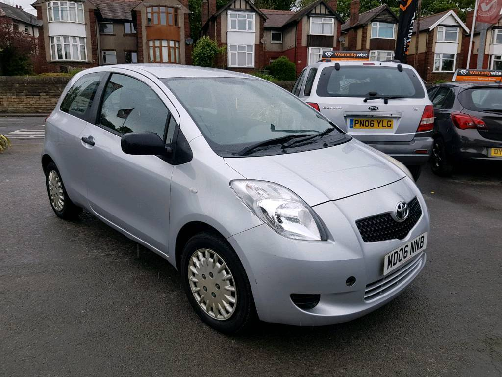 2006 toyota yaris 1 0 ion manual 3 door silver new shape good runner in dewsbury west. Black Bedroom Furniture Sets. Home Design Ideas