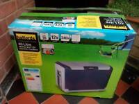 Halfords 40 litre electric cool box 12v/240 and mains plug