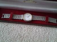 Unisex Rotary Quartz Watch