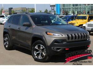 2016 Jeep Cherokee Trailhawk V6| Pano Sun| Nav| Heat Leath/Wheel