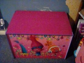 Trolls toybox